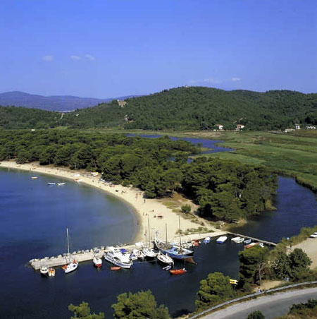 View of Koukounaries small port for yachts and fishing boats SKIATHOS PHOTO GALLERY - SMALL MARINA