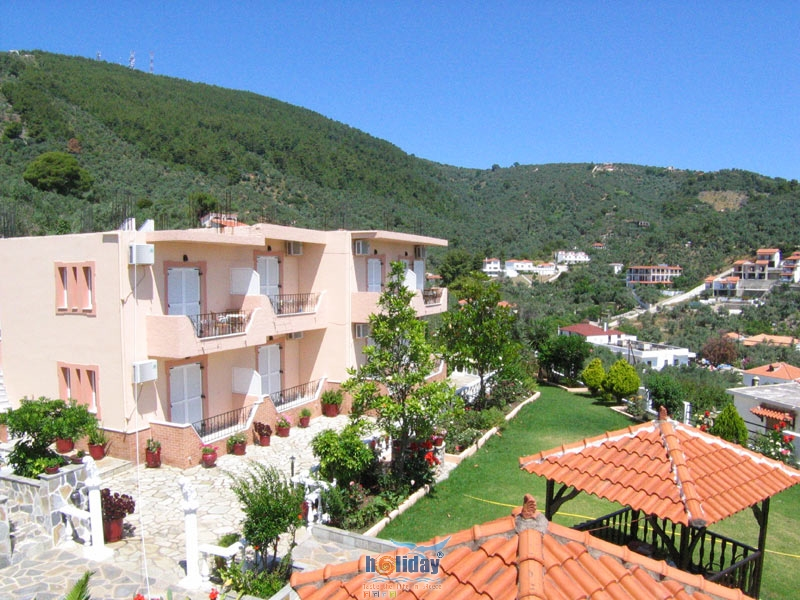 OLGA STUDIOS & APARTMENTS IN  MEGALI AMMOS